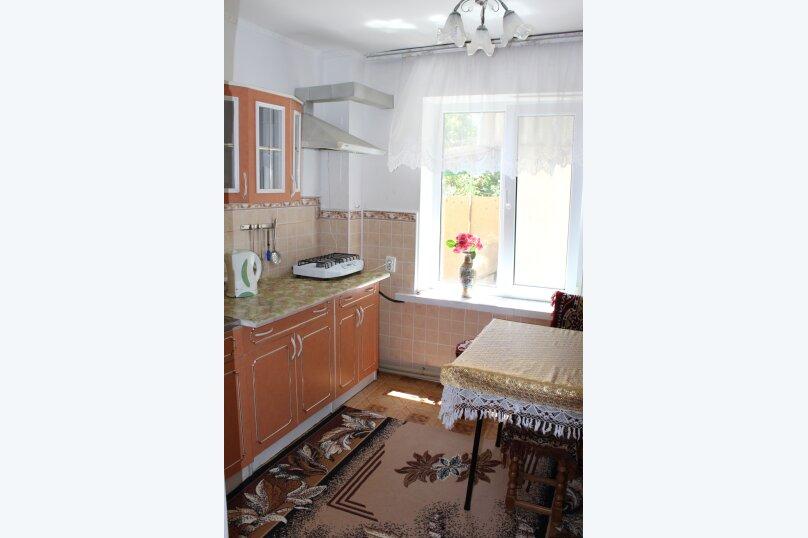 3х комнатный с доп. местом, улица Генерала Бирюзова, 61, Судак - Фотография 8