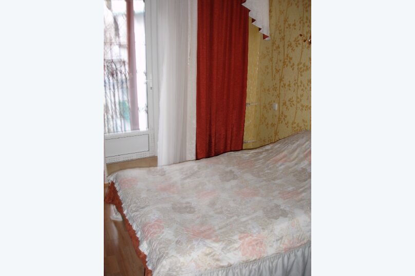 Номер на первом этаже, улица Толстого, 10, Ялта - Фотография 3