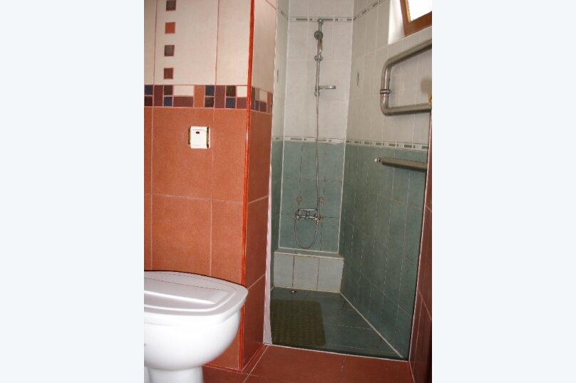 Номер на первом этаже, улица Толстого, 10, Ялта - Фотография 4