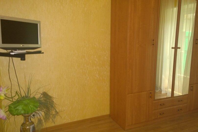 Номер на первом этаже, улица Толстого, 10, Ялта - Фотография 7