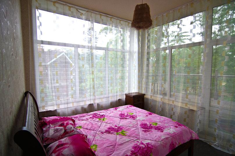 Улучшенный двухместный номер с одной кроватью, улица Шевченко, 220, Владивосток - Фотография 1