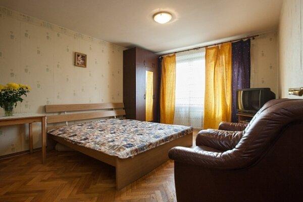 1-комн. квартира, 38 кв.м. на 4 человека, Песчаная улица, 8, метро Сокол, Москва - Фотография 1