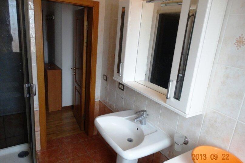 Дом в итальянском стиле класса люкс 2-х этажный 6-ти комнатный, 200 кв.м. на 10 человек, 5 спален, , , Судак - Фотография 19