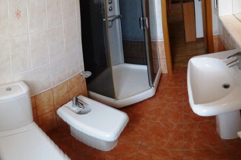 Дом в итальянском стиле класса люкс 2-х этажный 6-ти комнатный, 200 кв.м. на 10 человек, 5 спален, , , Судак - Фотография 27