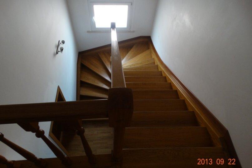 Дом в итальянском стиле класса люкс 2-х этажный 6-ти комнатный, 200 кв.м. на 10 человек, 5 спален, , , Судак - Фотография 32