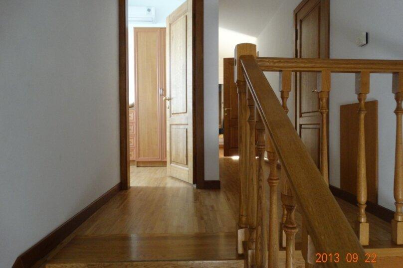 Дом в итальянском стиле класса люкс 2-х этажный 6-ти комнатный, 200 кв.м. на 10 человек, 5 спален, , , Судак - Фотография 33