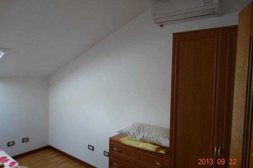 Дом в итальянском стиле класса люкс 2-х этажный 6-ти комнатный, 200 кв.м. на 10 человек, 5 спален, , , Судак - Фотография 35