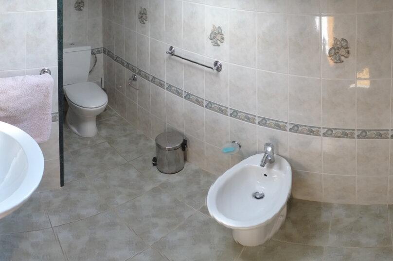 Дом в итальянском стиле класса люкс 2-х этажный 6-ти комнатный, 200 кв.м. на 10 человек, 5 спален, , , Судак - Фотография 37