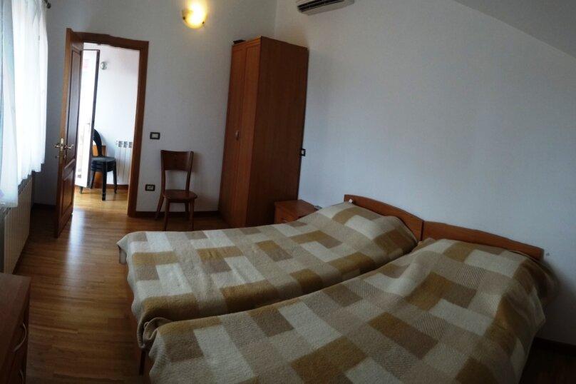 Дом в итальянском стиле класса люкс 2-х этажный 6-ти комнатный, 200 кв.м. на 10 человек, 5 спален, , , Судак - Фотография 46