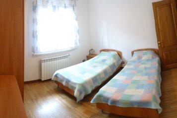 Дом в итальянском стиле класса люкс 2-х этажный 6-ти комнатный, 200 кв.м. на 10 человек, 5 спален, Яблоневая улица, Судак - Фотография 4