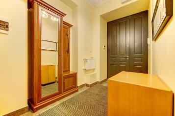 2-комн. квартира, 65 кв.м. на 6 человек, Большая Разночинная улица, метро Чкаловская, Санкт-Петербург - Фотография 3