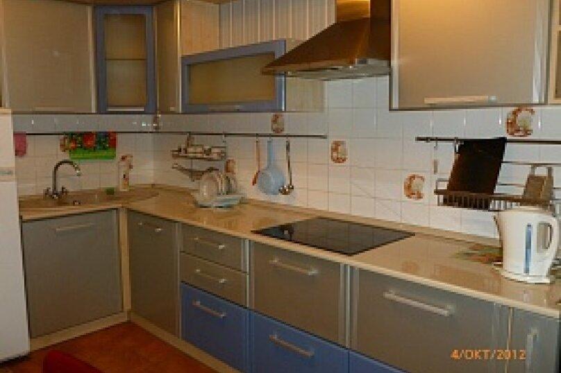 2-комн. квартира, 64 кв.м. на 4 человека, Учебная улица, 8, Томск - Фотография 4