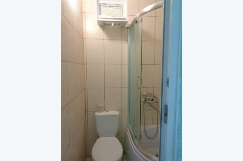 Трехместный 2- й этаж, улица Пуцатова, 32, Алушта - Фотография 5