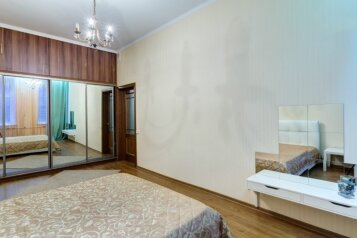 2-комн. квартира, 62 кв.м. на 4 человека, Адмиралтейская набережная, метро Гостиный Двор, Санкт-Петербург - Фотография 4