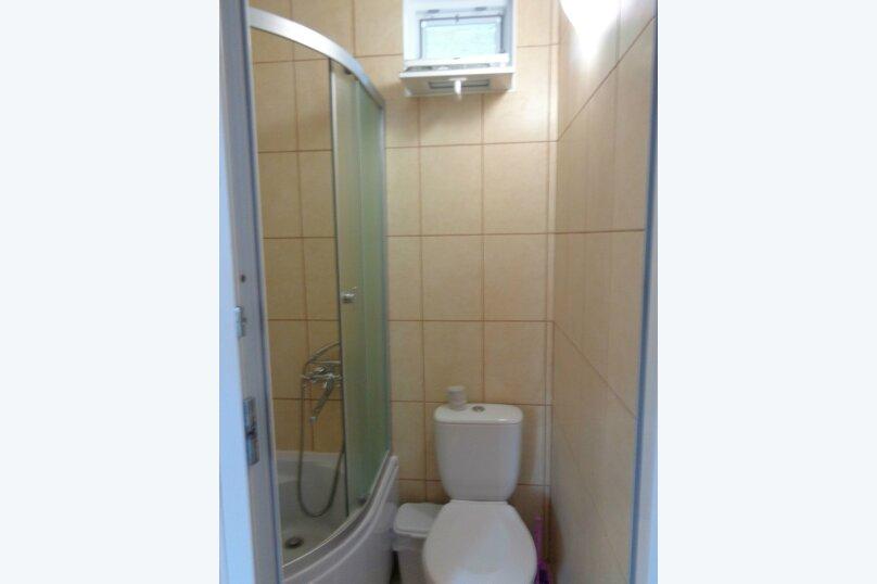 Трехместный номер на втором этаже, улица Пуцатова, 32, Алушта - Фотография 5