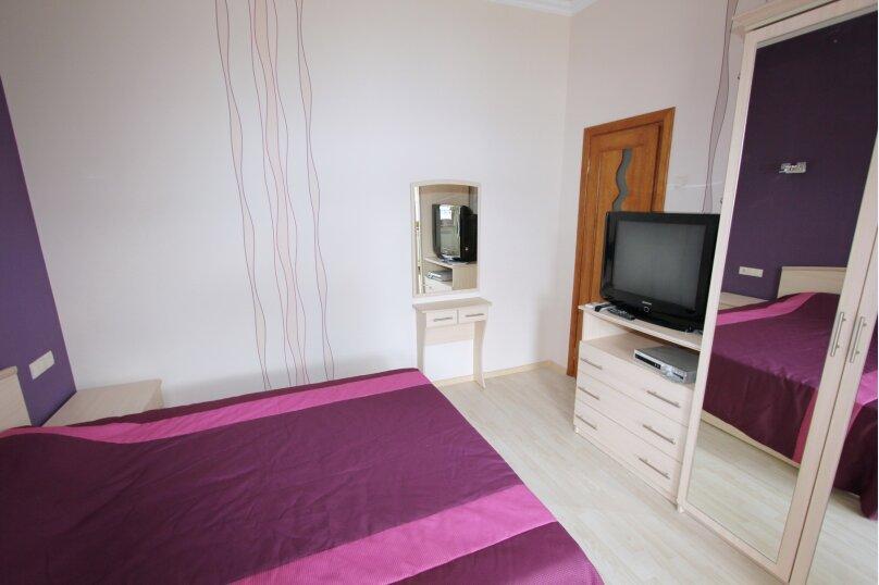 №5 люкс 2ух комнатный 3-ех местн, Генуэзский тупик, 2Д, Алушта - Фотография 3