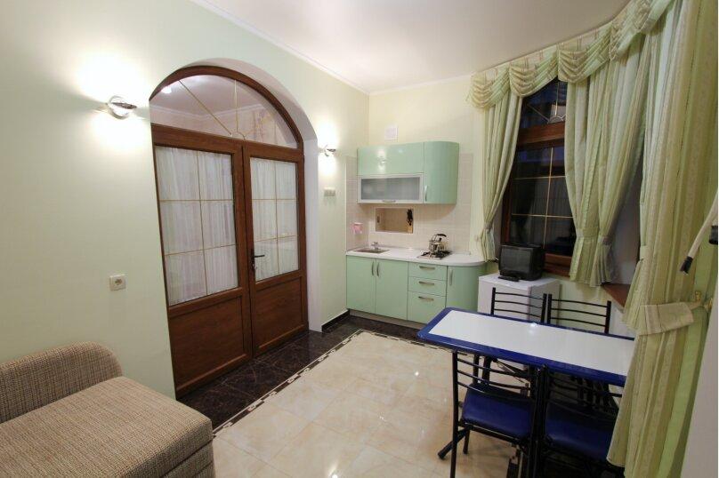 №5 люкс 2ух комнатный 3-ех местн, Генуэзский тупик, 2Д, Алушта - Фотография 5