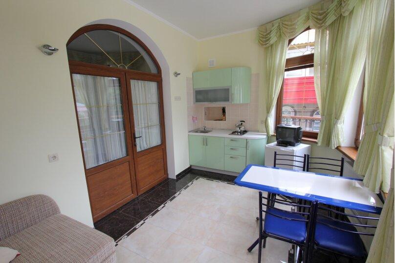 №5 люкс 2ух комнатный 3-ех местн, Генуэзский тупик, 2Д, Алушта - Фотография 7