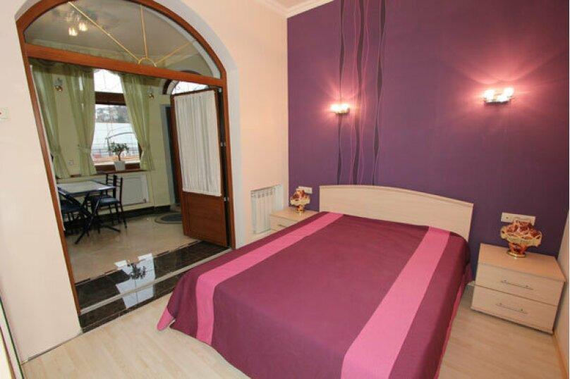 №5 люкс 2ух комнатный 3-ех местн, Генуэзский тупик, 2Д, Алушта - Фотография 1
