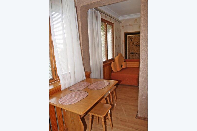 1-комн. квартира, 32 кв.м. на 5 человек, улица Космонавтов, 5, Форос - Фотография 1