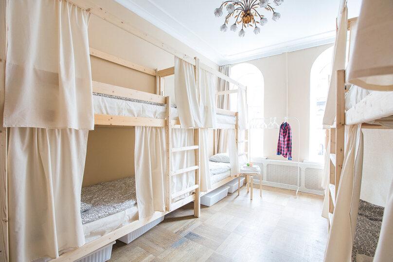 Кровать в общем смешанном номере на 8 человек, улица Восстания, 16, метро Невский пр., Санкт-Петербург - Фотография 5