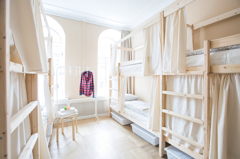 Кровать в общем смешанном номере на 8 человек, улица Восстания, 16, метро Невский пр., Санкт-Петербург - Фотография 1
