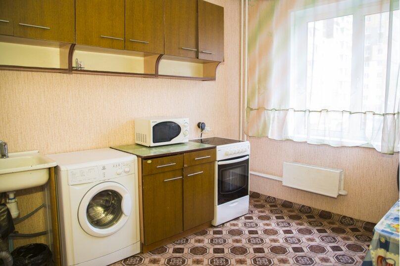 1-комн. квартира, 38 кв.м. на 2 человека, улица Алексеева, 99, Красноярск - Фотография 3