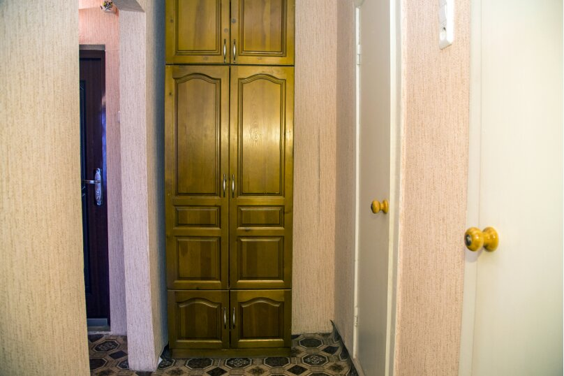 1-комн. квартира, 38 кв.м. на 2 человека, улица Алексеева, 99, Красноярск - Фотография 7
