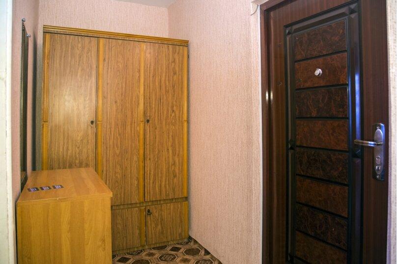 1-комн. квартира, 38 кв.м. на 2 человека, улица Алексеева, 99, Красноярск - Фотография 8