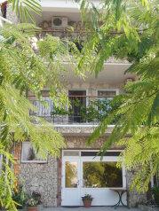 Гостевой дом, Корабельная улица, эллинг №1 на 1 комнату - Фотография 1