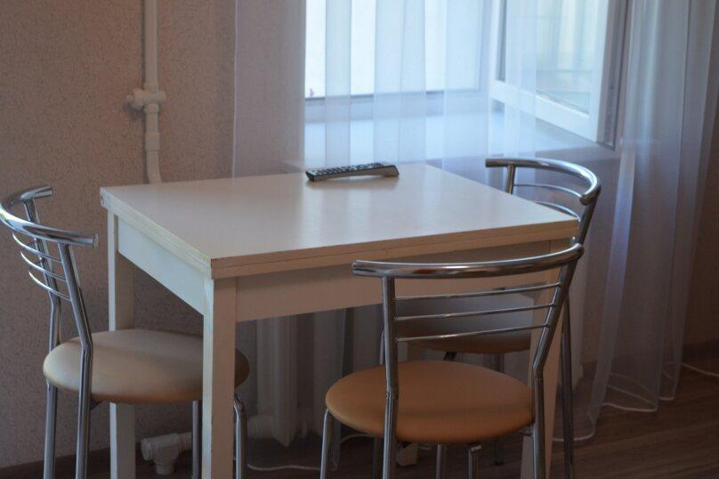 СДАМ ПОСУТОЧНО ЖИЛЬЕ ЦЕНТР, 24 кв.м. на 3 человека, 1 спальня, площадь Пирогова, 24, Севастополь - Фотография 5