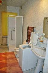 Баню,Коттедж, 100 кв.м. на 6 человек, 2 спальни, Средняя улица, 41, Краснотурьинск - Фотография 3
