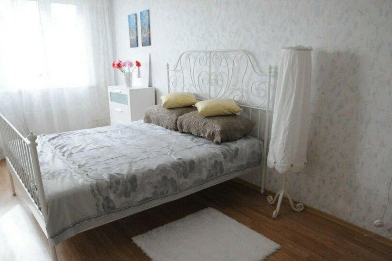 2-комн. квартира, 60 кв.м. на 5 человек, Игоря Киртбая, 9, Сургут - Фотография 2