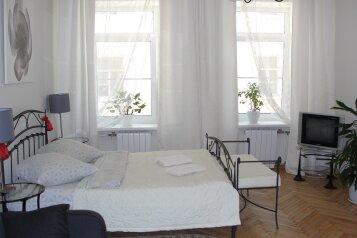3-комн. квартира, 120 кв.м. на 5 человек, Невский проспект, 132А, Центральный район, Санкт-Петербург - Фотография 1