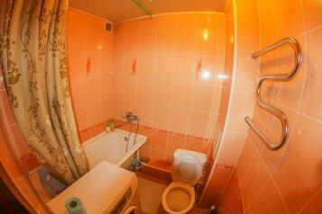 2-комн. квартира, 70 кв.м. на 3 человека, Октябрьский проспект, Центральный район, Кемерово - Фотография 4
