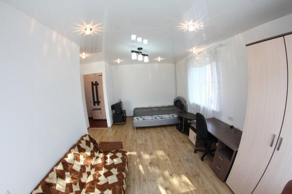 1-комн. квартира, 35 кв.м. на 4 человека, улица Дарвина, 3, Центральный район, Кемерово - Фотография 1