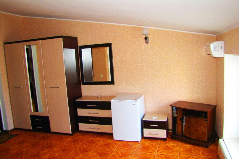 Эллинг в Феодосии полуторный люкс  на 2-3 человека с видом на море ., Черноморская набережная , 38 Е, Феодосия - Фотография 9