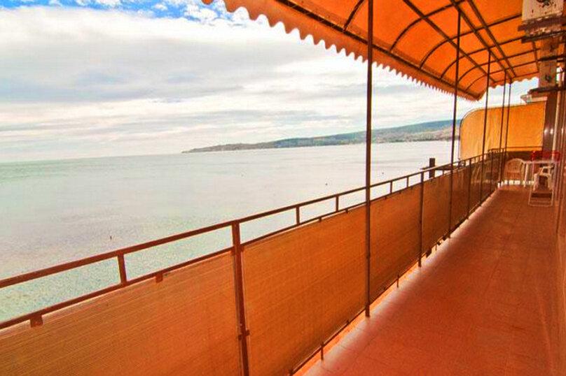 Эллинг в Феодосии полуторный люкс  на 2-3 человека с видом на море ., Черноморская набережная , 38 Е, Феодосия - Фотография 12