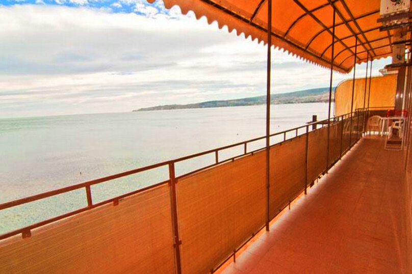Эллинг в Феодосии двухкомнатный люкс на 4 человека, Черноморская набережная , 38 Е, Феодосия - Фотография 1