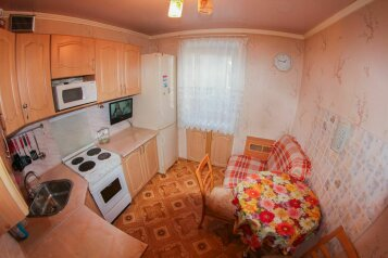 2-комн. квартира, 75 кв.м. на 6 человек, улица Федоровского, Заводский район, Кемерово - Фотография 4