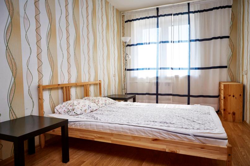 2-комн. квартира, 55 кв.м. на 4 человека, улица Болдина, 12А, Калуга - Фотография 1