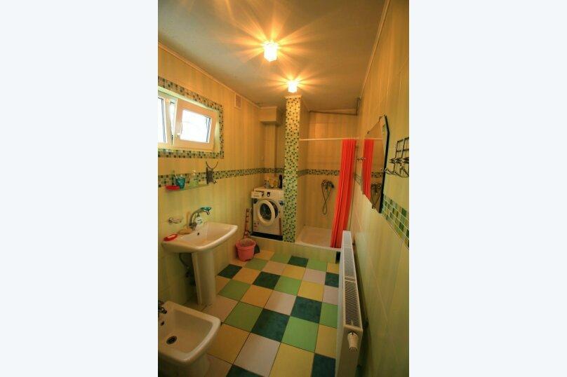 Сдам дом с бассейном г. Алушта, с. Лавровое, 215 кв.м. на 10 человек, 5 спален, Черноморская улица, 4, село Лавровое - Фотография 8