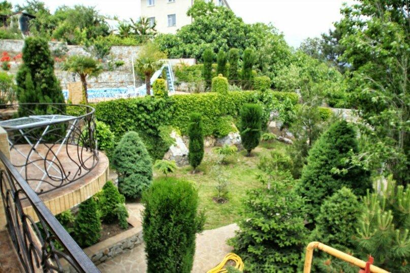 Сдам дом с бассейном г. Алушта, с. Лавровое, 215 кв.м. на 10 человек, 5 спален, Черноморская улица, 4, село Лавровое - Фотография 15