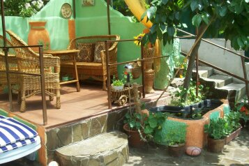 Домик с отдельным двориком, 40 кв.м. на 4 человека, 1 спальня, Артековская улица, Гурзуф - Фотография 1