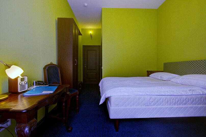 Номер Стандарт с одной двуспальной кроватью, улица Марата, 8, метро Маяковская, Санкт-Петербург - Фотография 5
