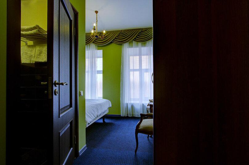 Номер Стандарт с одной двуспальной кроватью, улица Марата, 8, метро Маяковская, Санкт-Петербург - Фотография 6