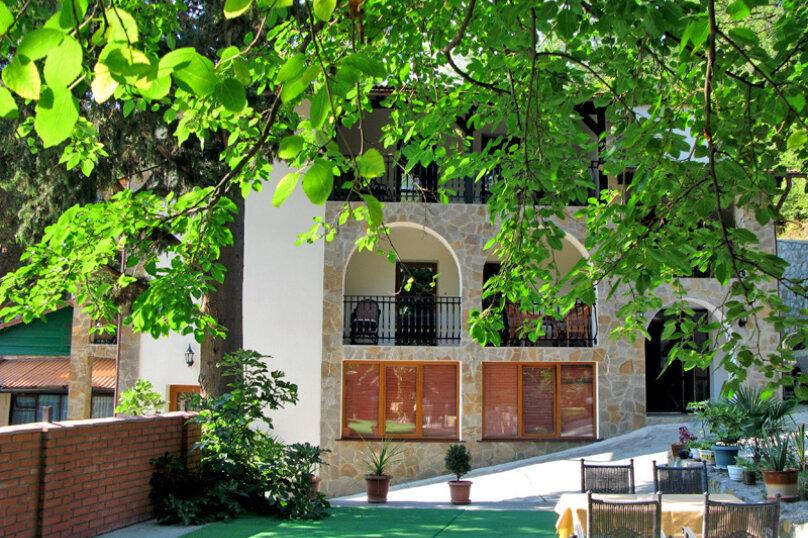 1 комнатный номер, улица Коммунаров, 7, Ялта - Фотография 2