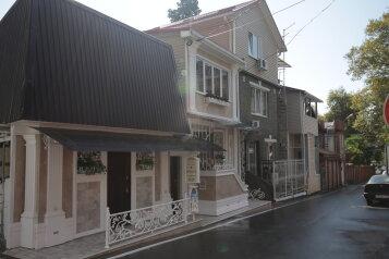 Гостевой дом, Комсомольская улица на 14 номеров - Фотография 1