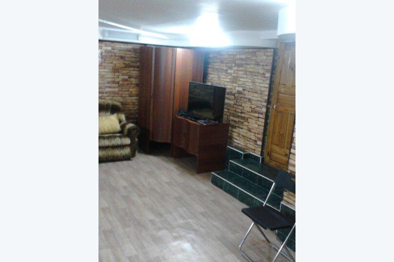 Цокольный этаж с отдельным входом, 70 кв.м. на 10 человек, 2 спальни, Рождественская улица, 13, Белокуриха - Фотография 1