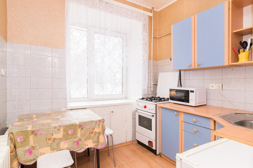 1-комн. квартира, 31 кв.м. на 4 человека, улица Попова, 25, метро Площадь 1905 года, Екатеринбург - Фотография 2